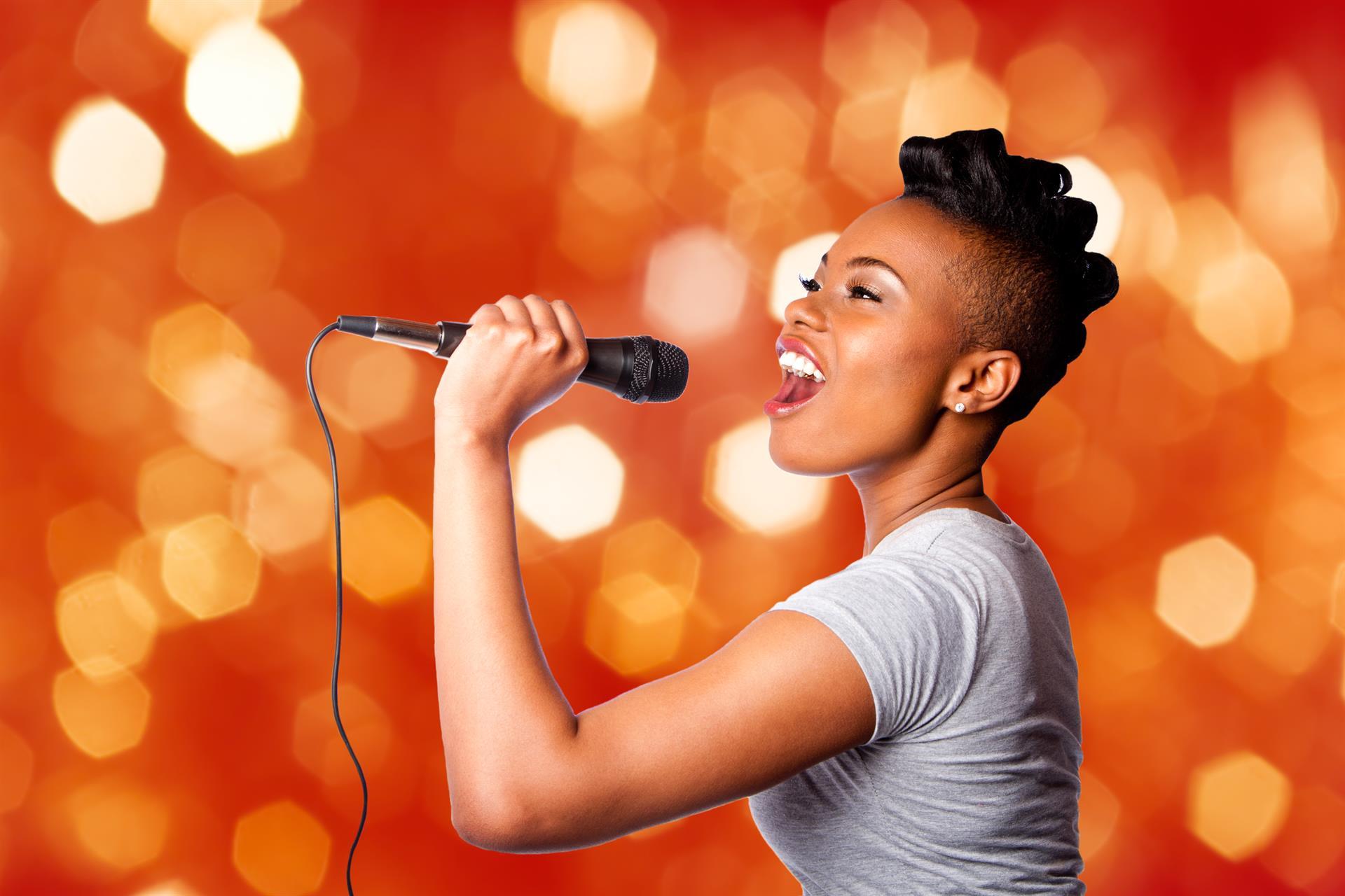 Teen Karaoke - female singer graphic