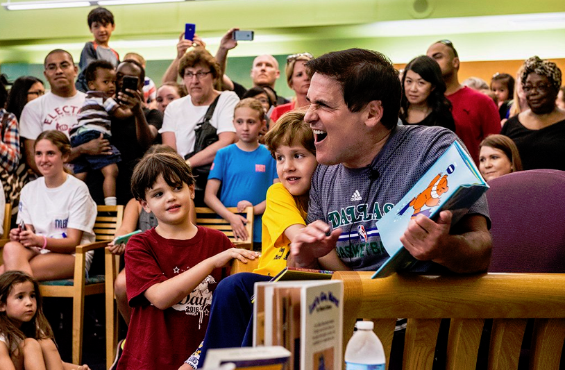 Mark Cuban with students